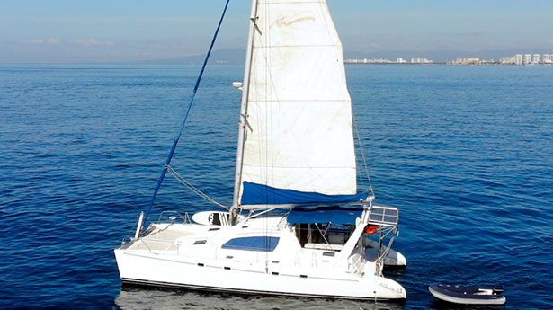 47-ft.-Leopard-Luxury-Catamaran
