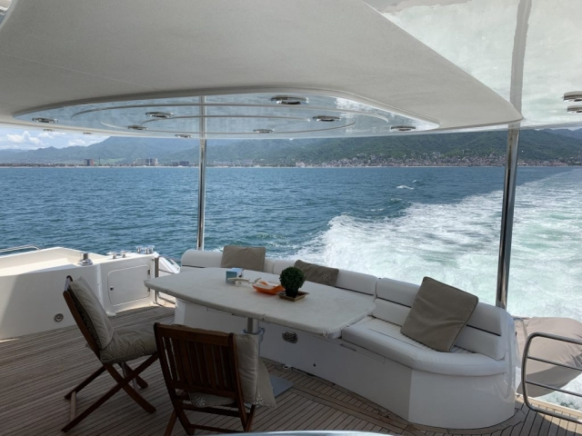 76 ft. Sunseeker – Power Yacht  - Aft - Cockpit Seat and Dining