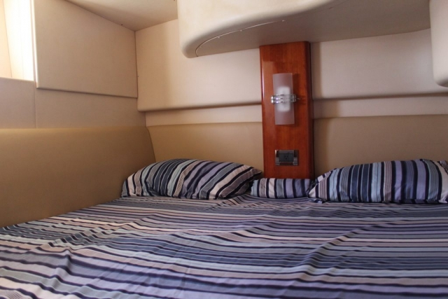 42 ft. Azimut – Luxury Power Yacht - Aft St-room double bed
