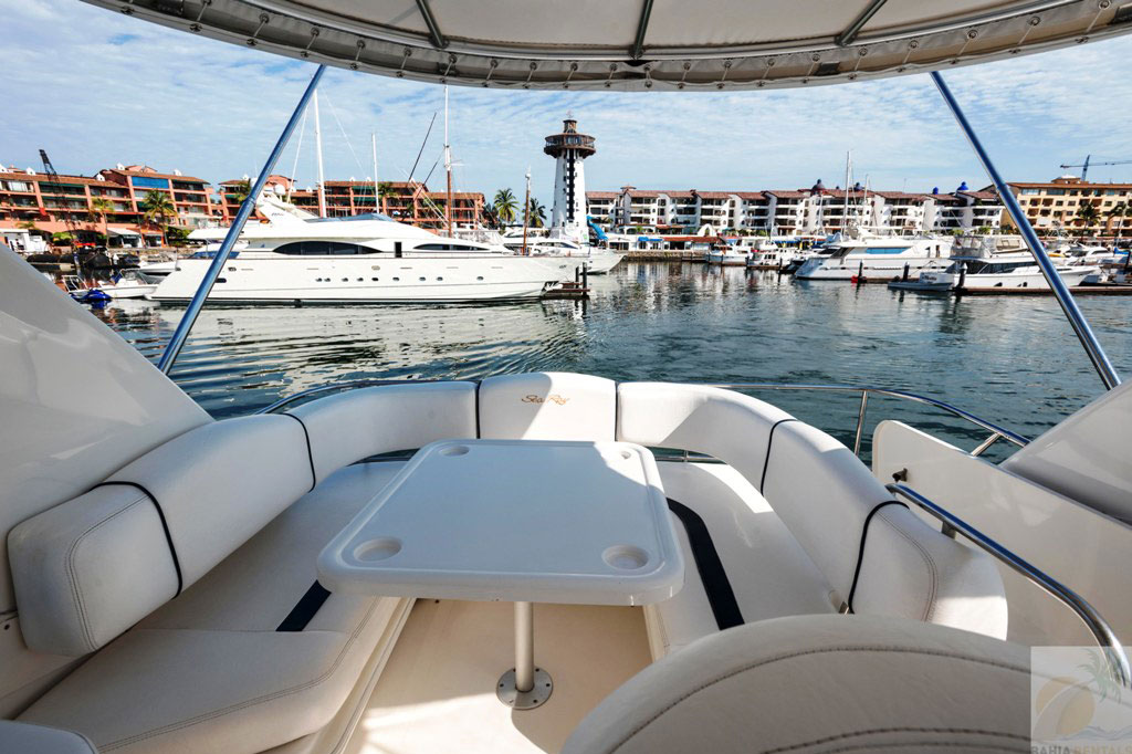 44-ft.-Sea-Ray-–-Luxury-Power-Yacht-right-image