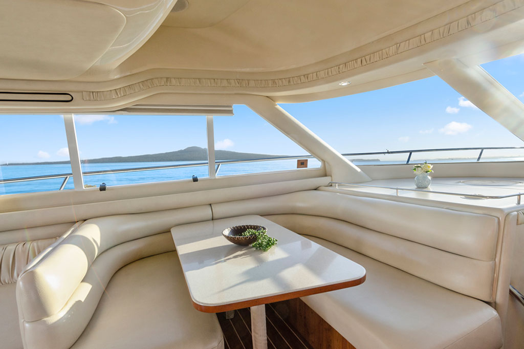 50-ft.-Sea-Ray-–-Luxury-Power-Yacht-left-image