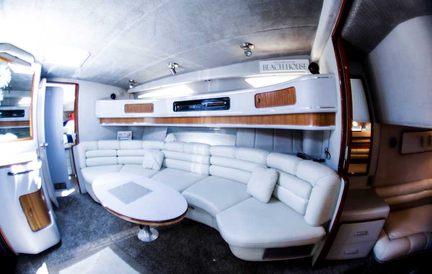 42-FT-Sea-Ray-Lower-Cabin-Dinning