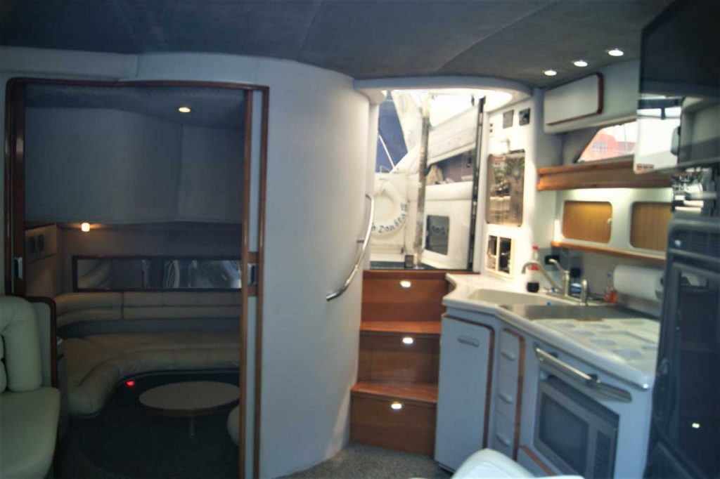 42-FT-Sea-Ray-Lower-Deck-_-Saloon