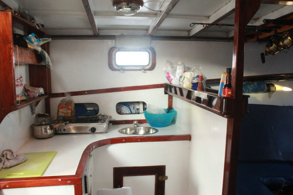 42-ft-convertible-fishing-boat-galley