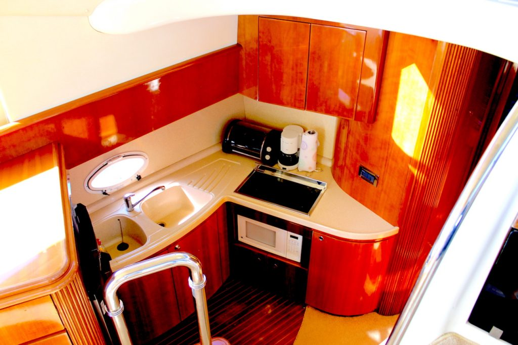 42-ft.-Azimut-–-Luxury-Power-Yacht-Down-Galley
