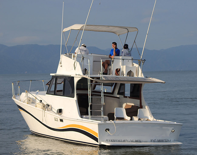 42-ft.-Convertible-Fishing-Boat-Up-to-12-People-1