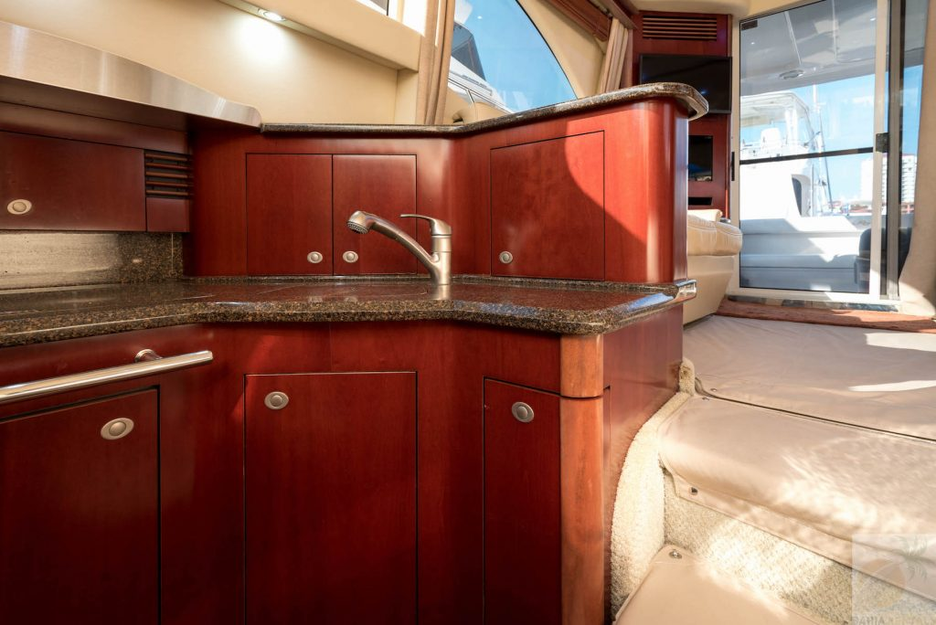 44-ft.-Sea-Ray-–-Luxury-Power-Yacht-Down-Galley