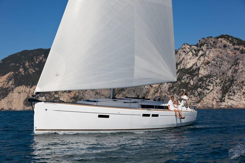 48-ft.-Sun-Odyssey-479-Luxury-Sailboat-Up-to-8-People10