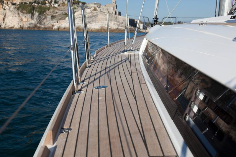 48-ft.-Sun-Odyssey-479-Luxury-Sailboat-Up-to-8-People20