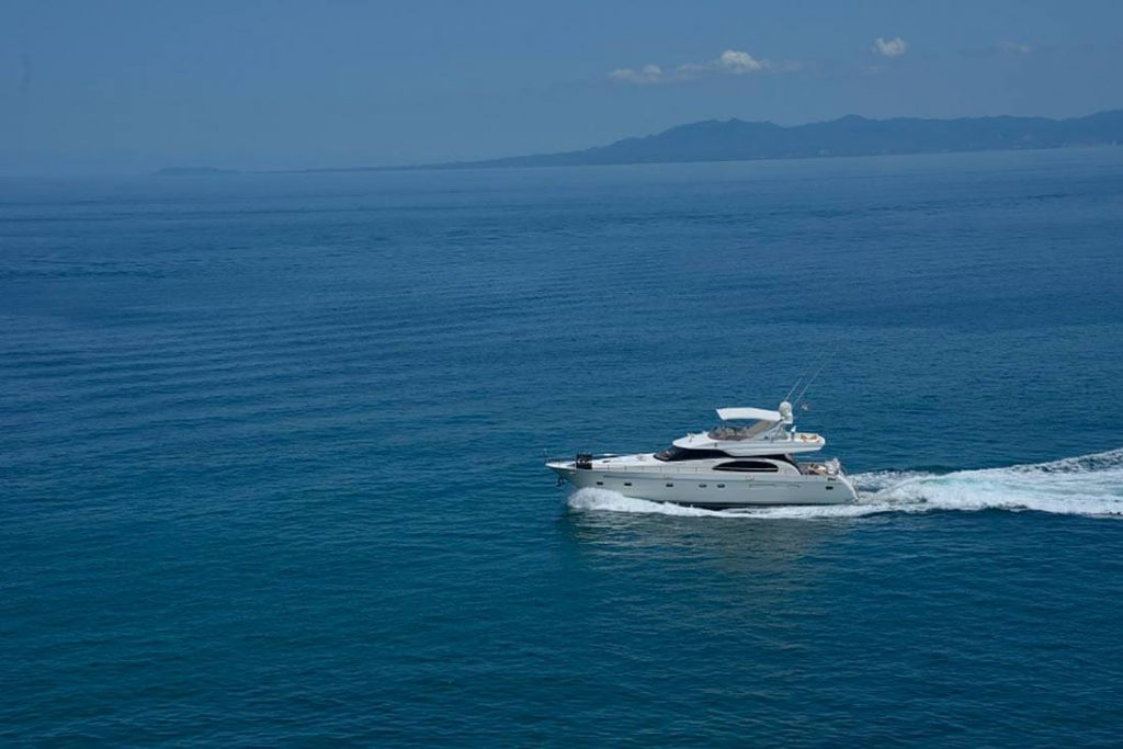 65-FT-Vitech-Power-Yacht-Up-to-15-People-Bay-Getaway