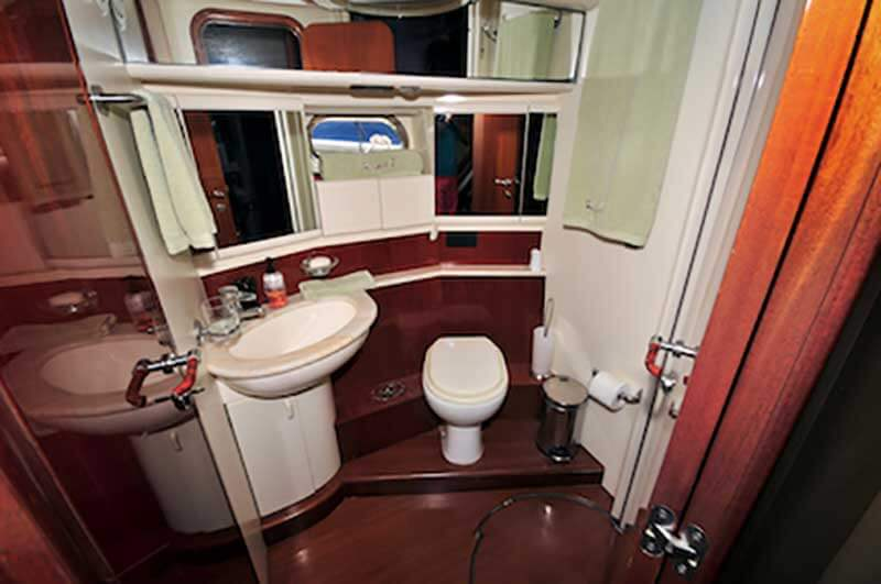 80-FT-Ferretti-Power-Yacht-Up-to-30-People-Master-Ensuite-Full-Bathroom