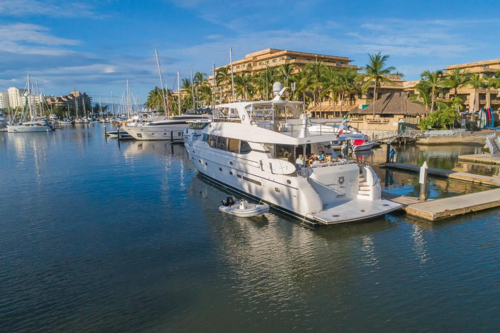 82-ft.-Monte-Fino-Power-Yacht-Up-to-35-People-docked