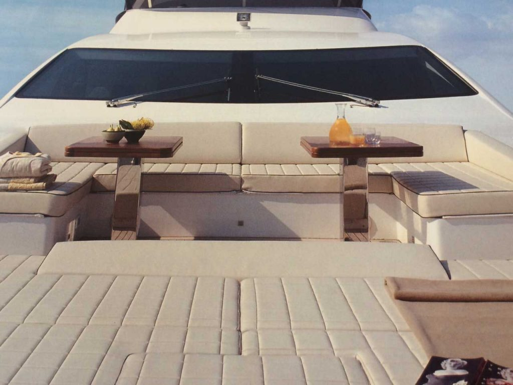 85-FT-Azimut-mod-2006-up-to-15-People9