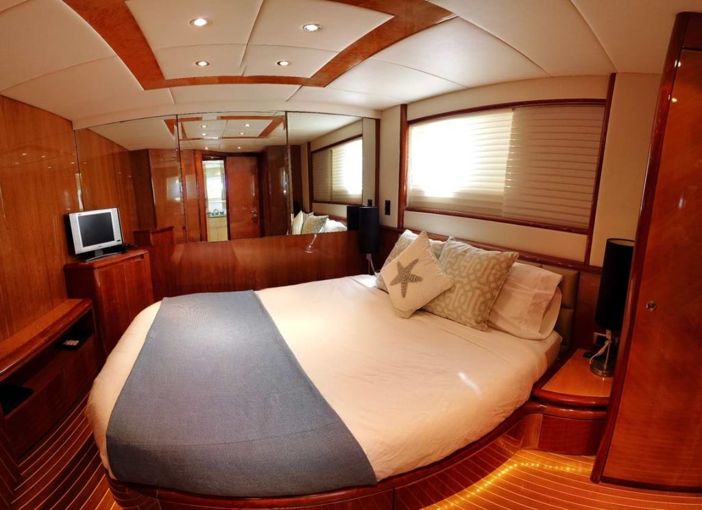 Azimut-70-Double-Guest-Stateroom
