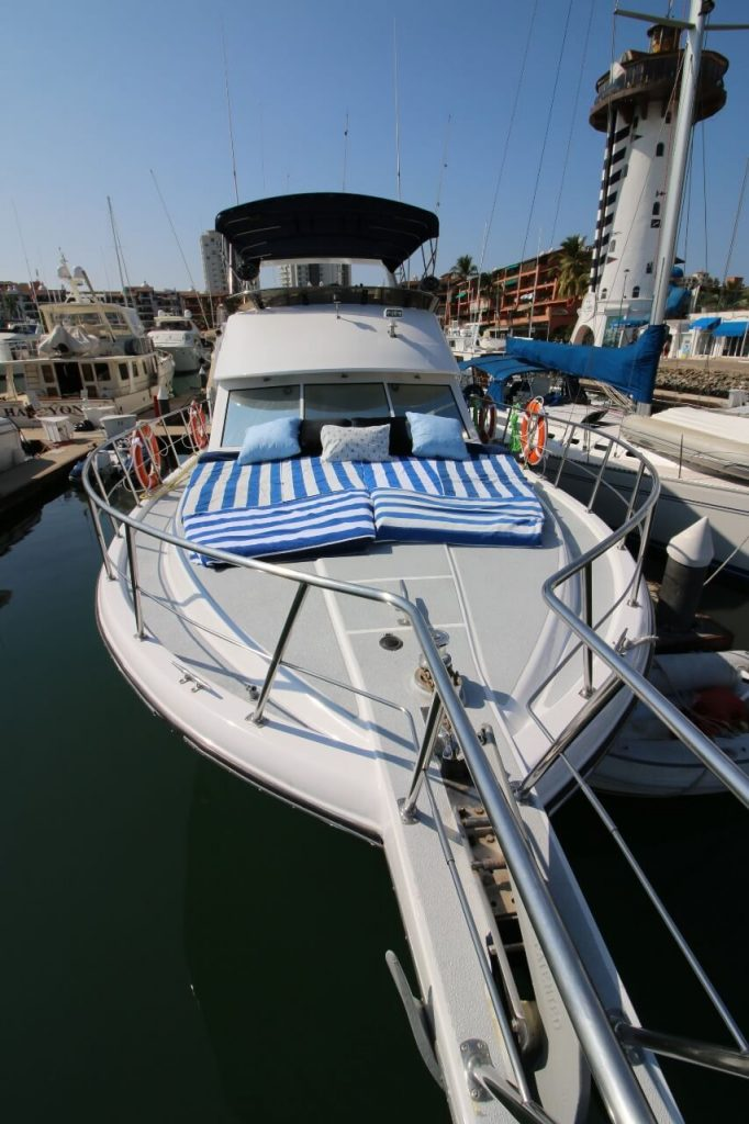 Bertram-57-ft.-Large-Open-Front-Deck-with-cushions